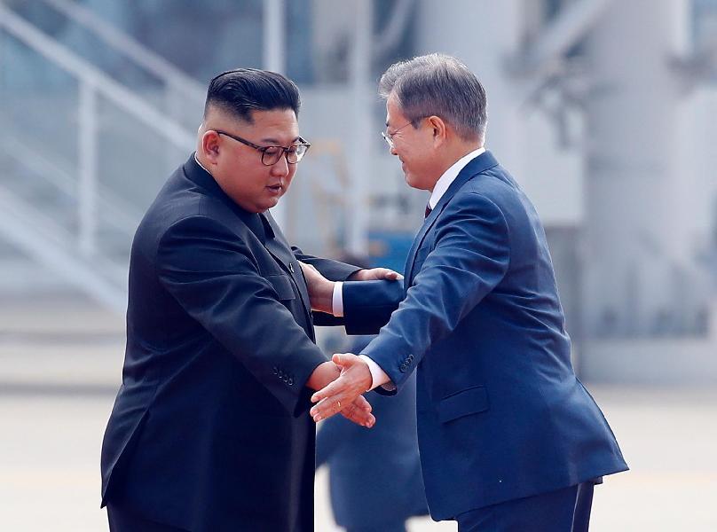 Руководителя  КНДР иЮжной Кореи встретились вПхеньяне