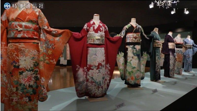 Япония Выставка кимоно 1.jpg