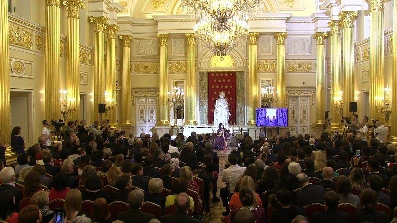 Посольские вечера Зал.jpg